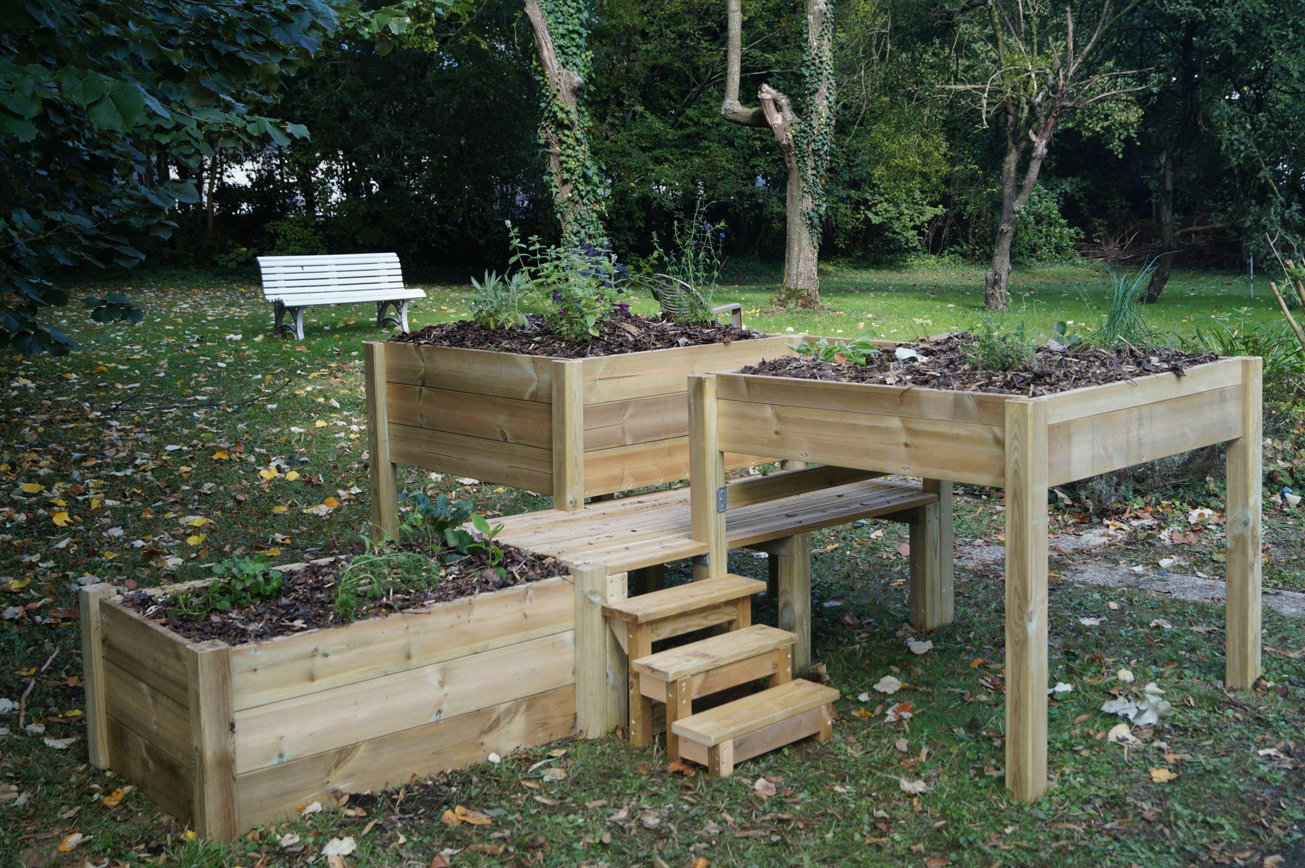 Atelier jardinage intergénérationnel à Rennes